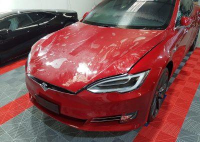 Tesla Model S - Full front PPF - red (2) (Large)