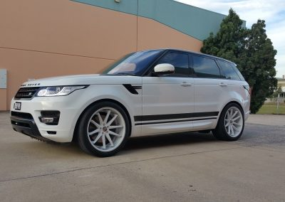 Range Rover side stripes (1) (Medium) (Medium)